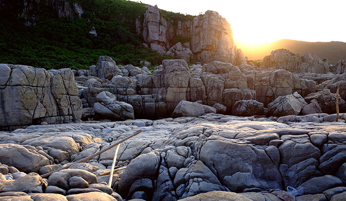 Long Dong Dragon Cave Taiwan