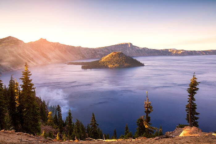 Crater Lake National Park in Oregon, USA