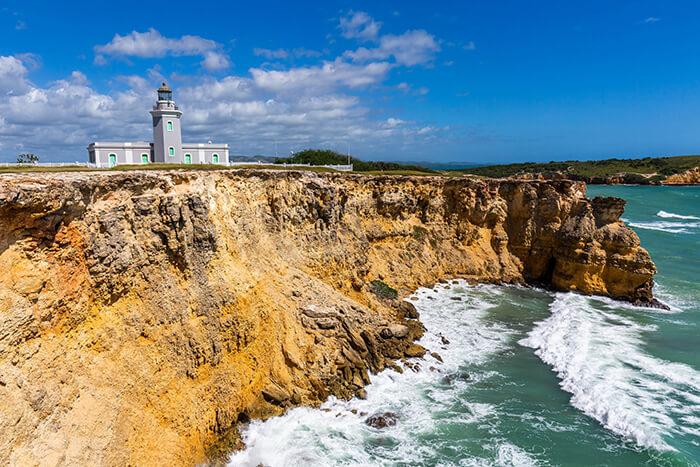 Faro Los Morrillos lighthouse