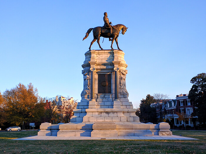 monument of General Robert E. Lee