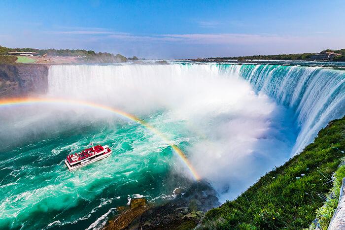 Niagara Falls Hornblower Tour Boat