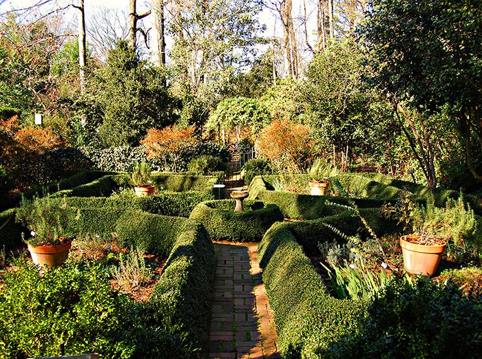 Wing Haven Gardens and Bird Sanctuary