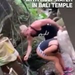 tourists use holy water to wash butt