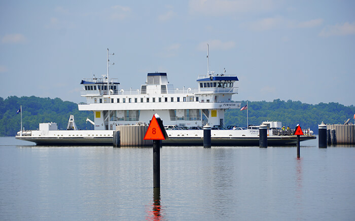 Jamestown-Scotland Ferry
