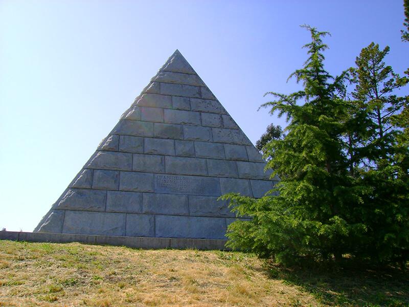 Dorn Pyramid